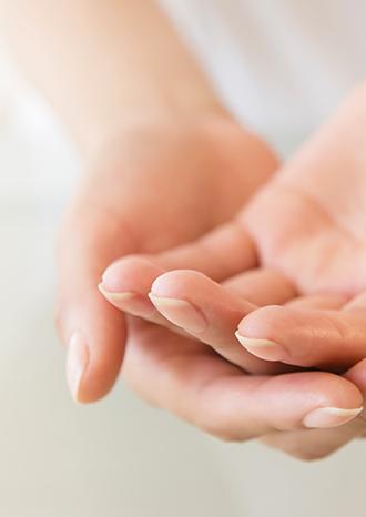 main guerir, lotus, relaxation, meditation, bien-etre, santé